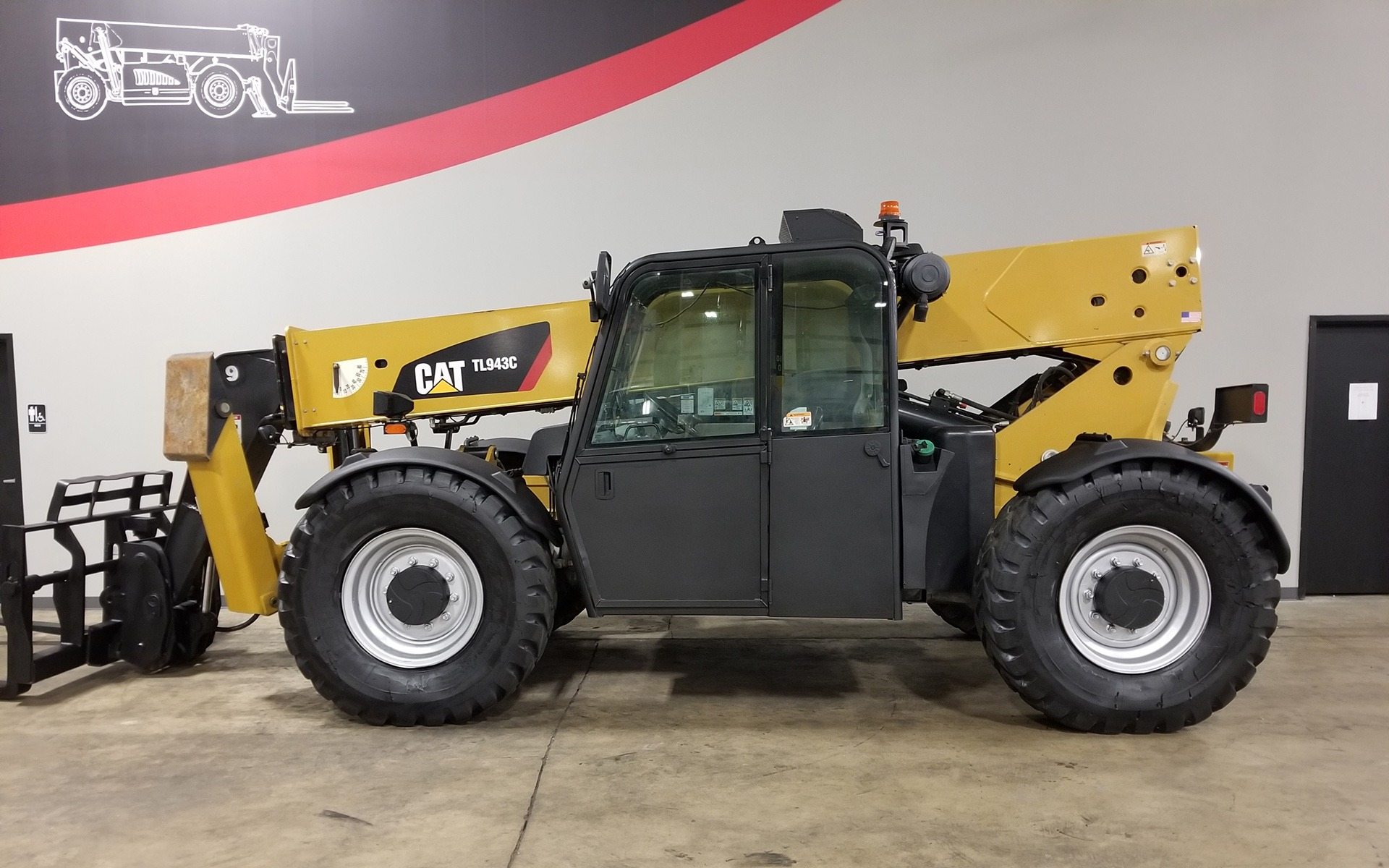 Used 2012 CATERPILLAR TL943C  | Cary, IL