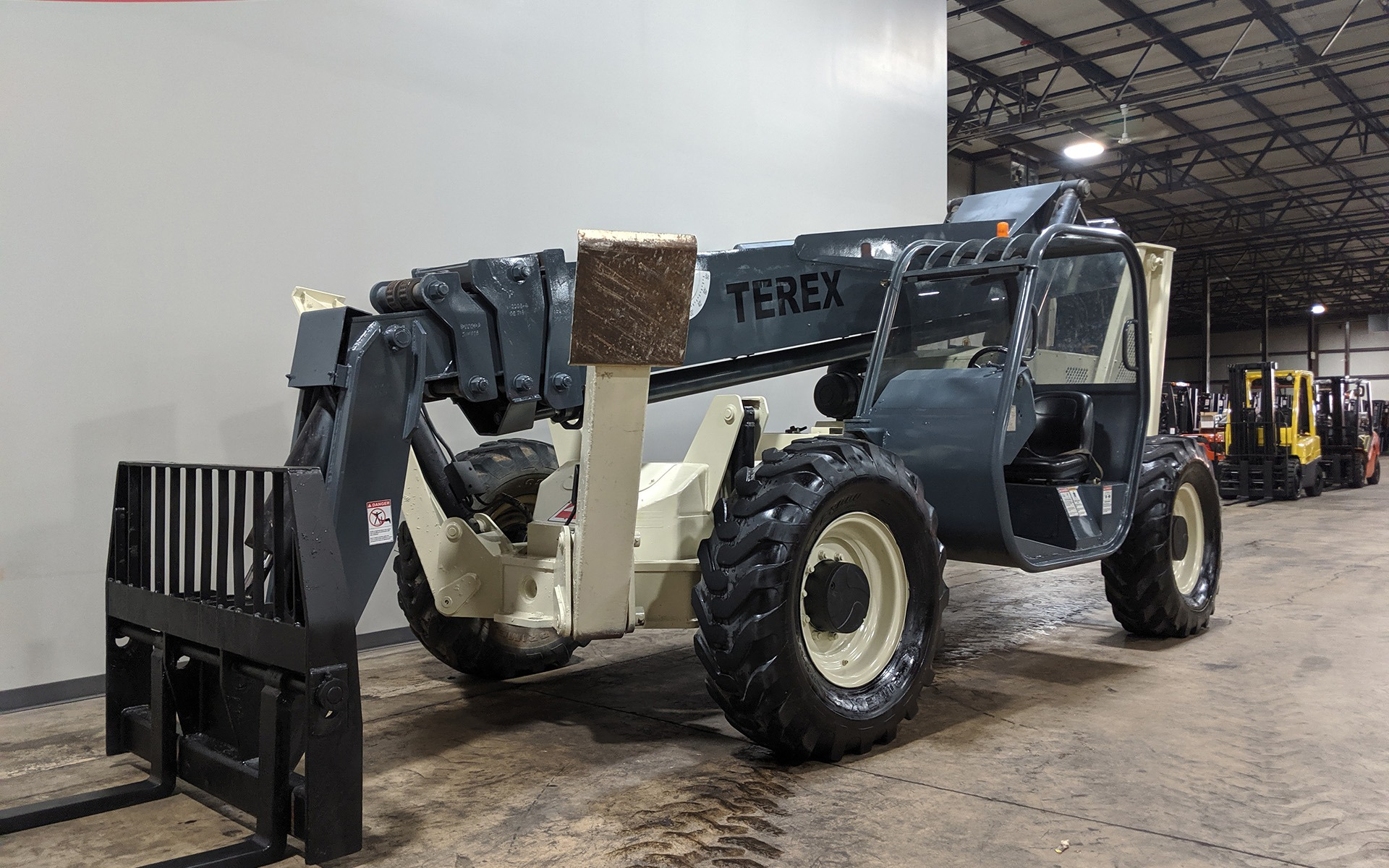 Used 2005 TEREX TH1056C  | Cary, IL