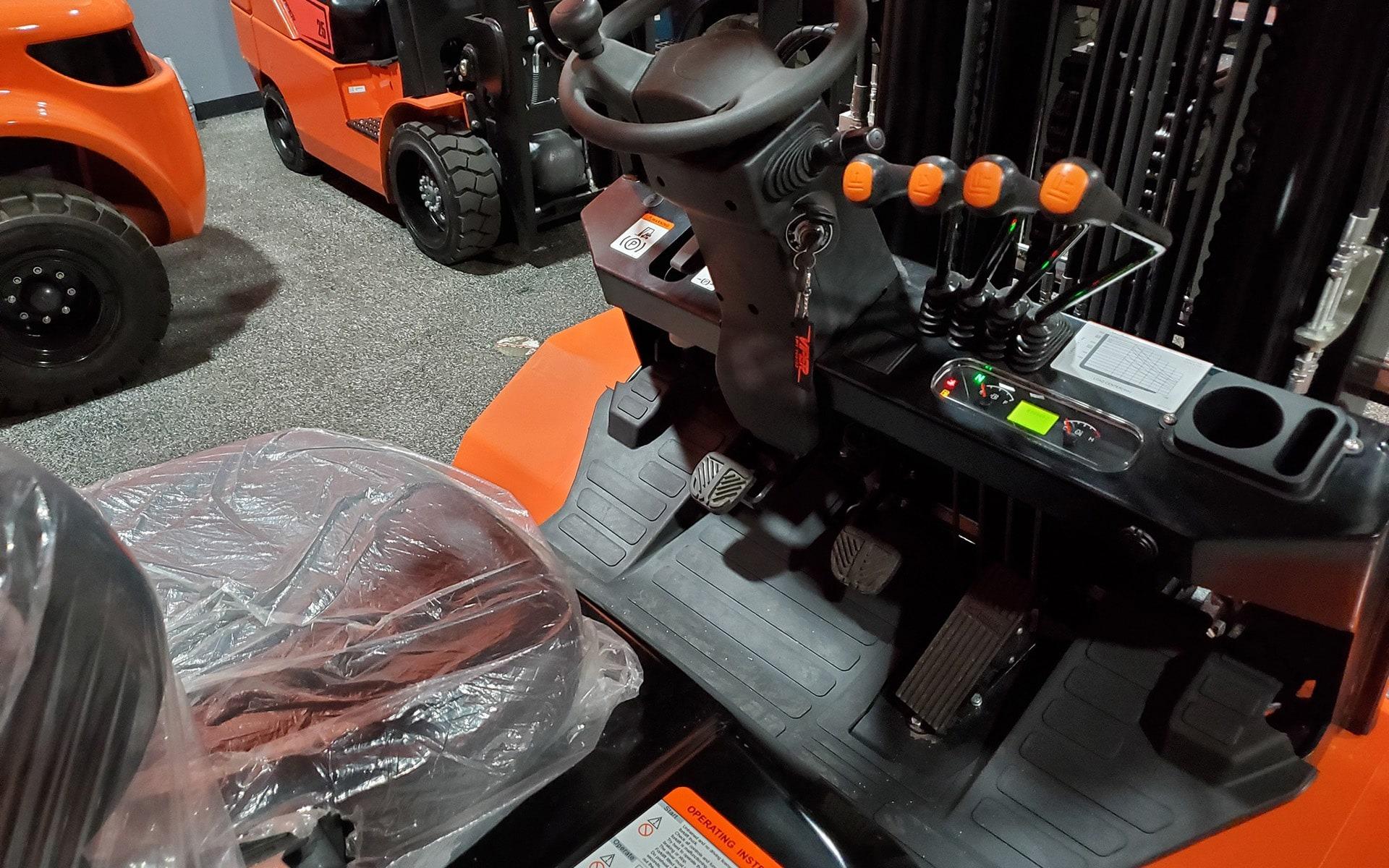 New 2021 VIPER FD35    Cary, IL