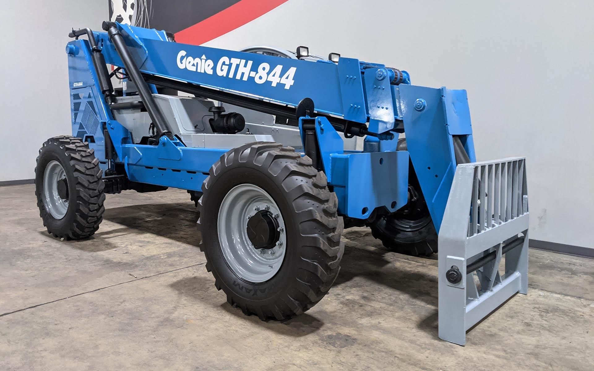 Used 2010 GENIE GTH 844  | Cary, IL