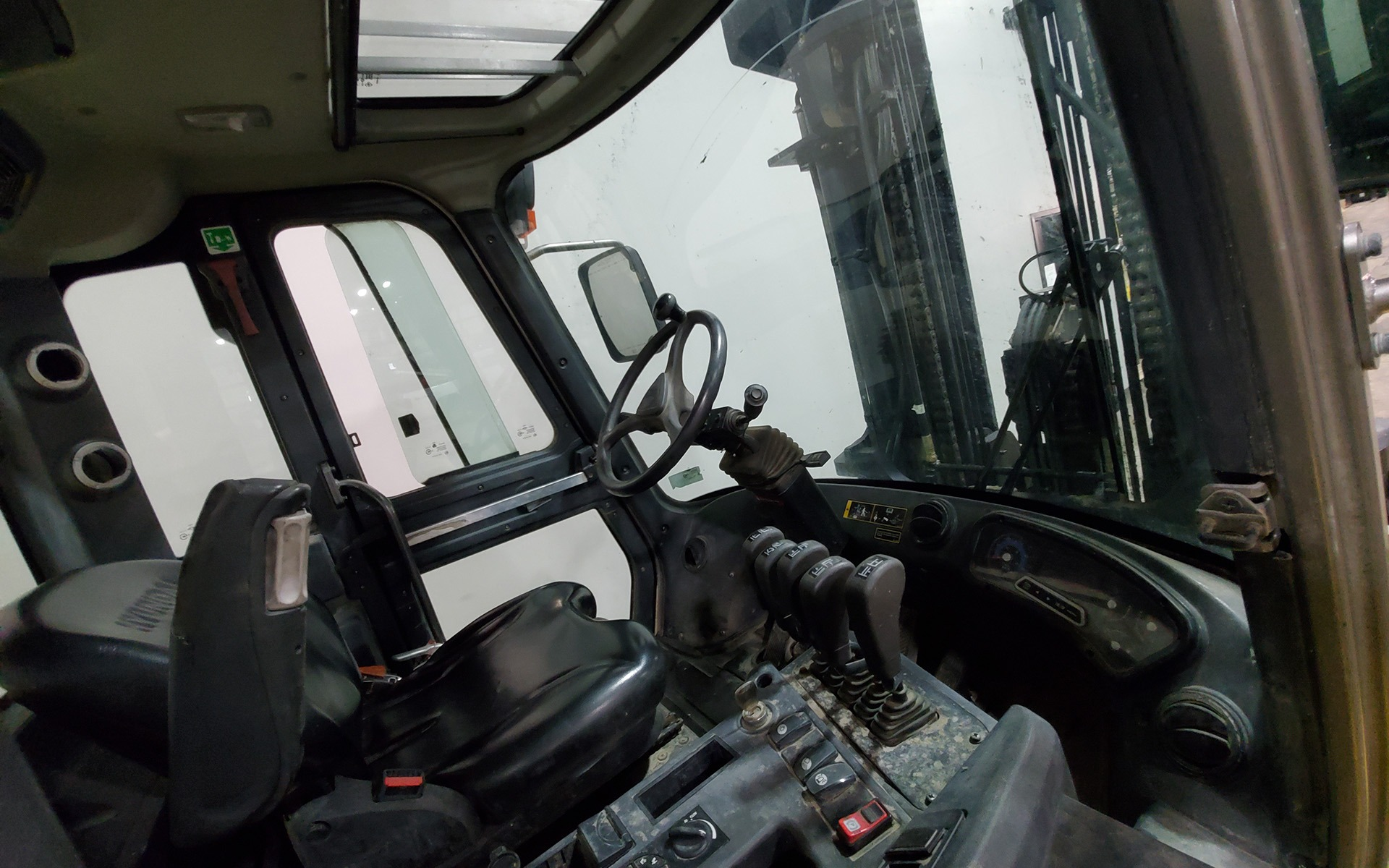 Used 2016 HYUNDAI H80D-9    Cary, IL