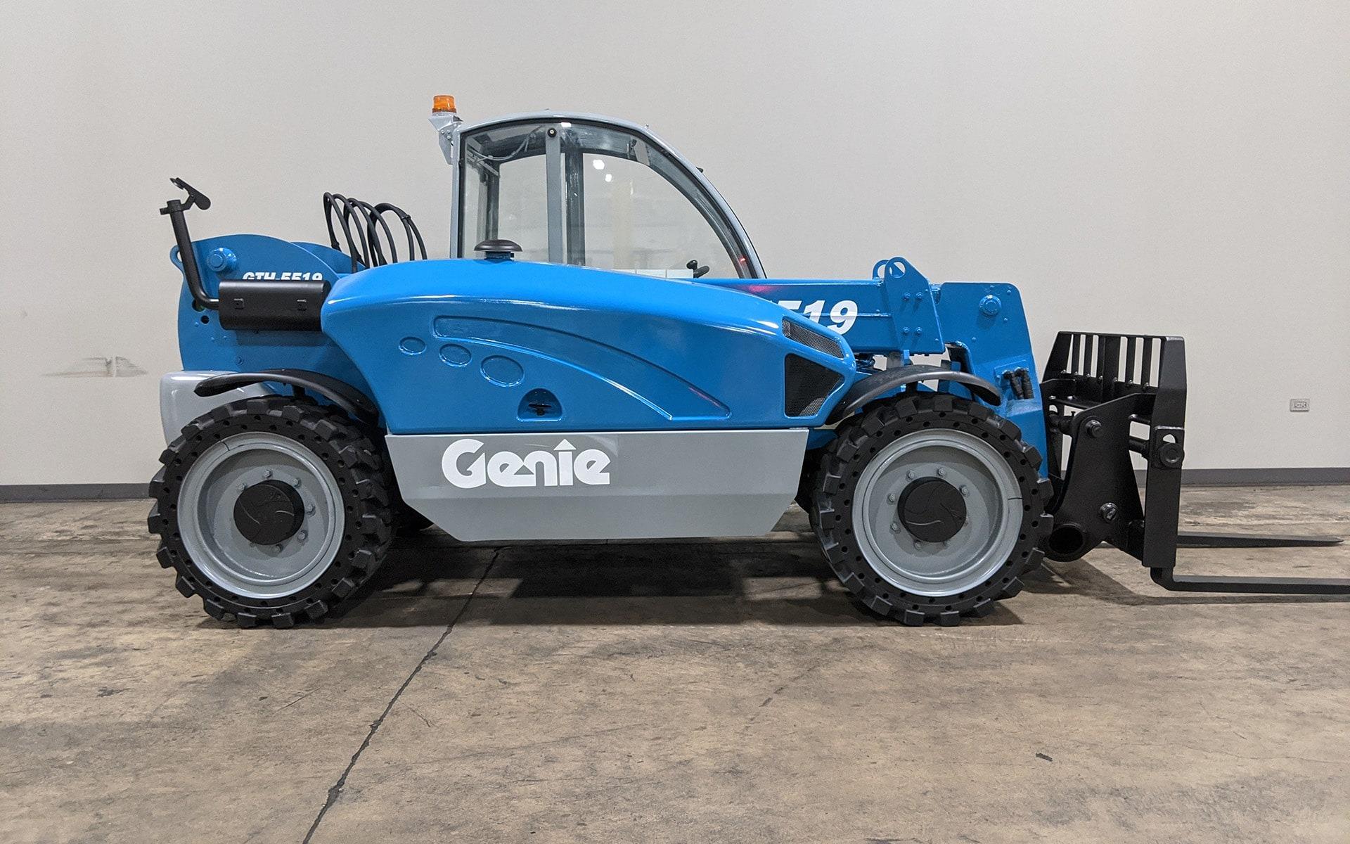 Used 2013 GENIE GTH 5519  | Cary, IL