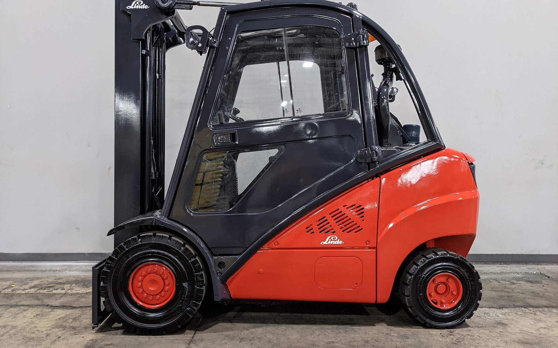 Used 2011 LINDE H25D    Cary, IL